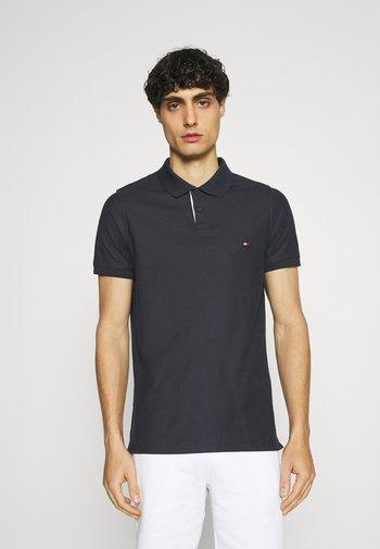 CONTRAST PLACKET SLIM  - Polo shirt - desert sky