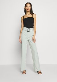 Missguided - LETTUCE EDGE CROP 2 PACK - Top - white/black - 1