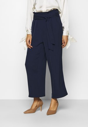Wide cropped leg trousers with belt - Pantalon classique - dark blue