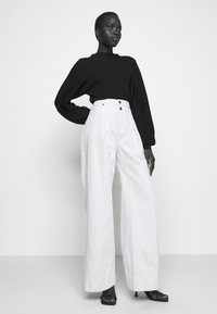 Frame Denim - MOSAIC PLEATED  - Relaxed fit jeans - vintage white - 3