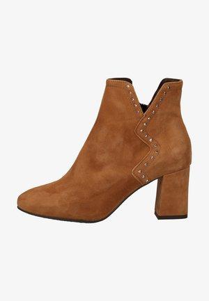 Boots à talons - cognac 22