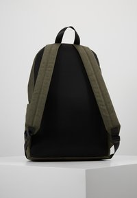 HKT by Hackett - BACKPACK - Batoh - khaki - 2