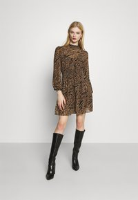 Forever New - ALISON SHIRRED NECK SKATER DRESS - Day dress - brown - 1