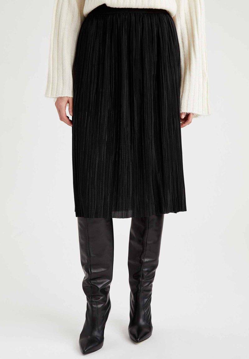 DeFacto - A-line skirt - black