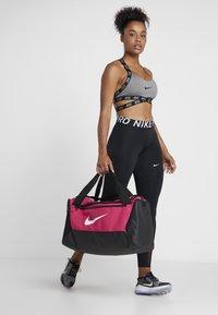 Nike Performance - DUFF 9.0 - Sports bag - rush pink/black/white - 5