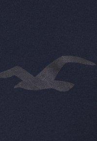 Hollister Co. - ICONIC HOODS  - Långärmad tröja - navy - 4