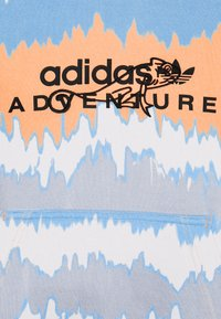 adidas Originals - HOODY UNISEX - Sweatshirt - hazy orange/multicolor - 5