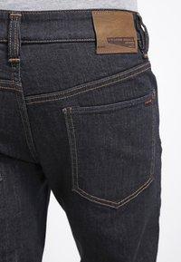 Volcom - SOLVER DENIM PANT - Straight leg jeans - rinse - 5