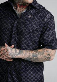 SIKSILK - MONOGRAM RESORT SHIRT - Shirt - black - 4