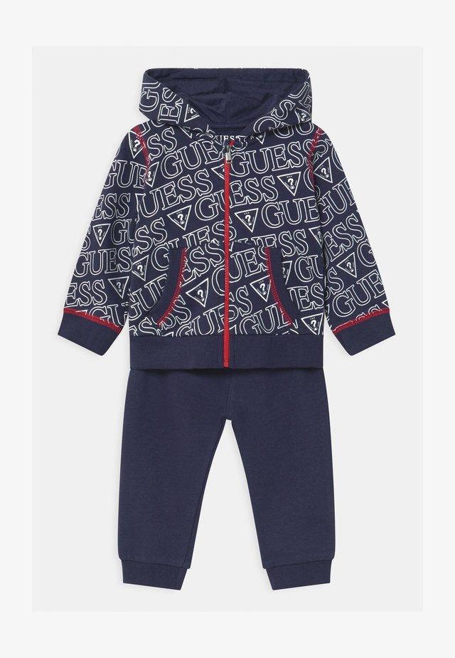 HOODED ACTIVE BABY SET  - Trainingsanzug - dark blue