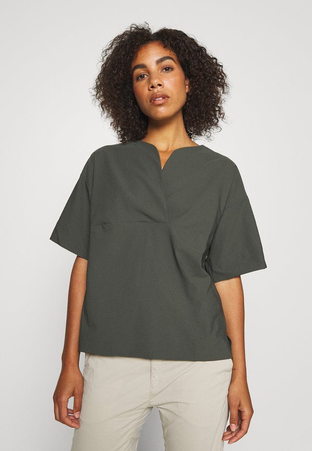 COSMO - Blusa - willow green