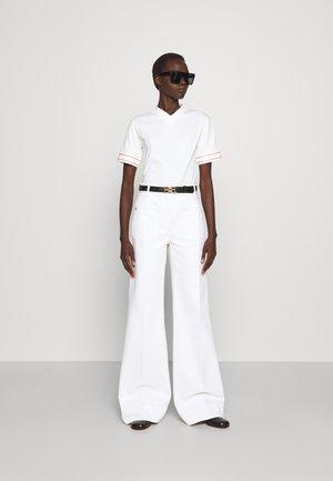 CLASSIC 2 PACK  - T-shirt med print - off white