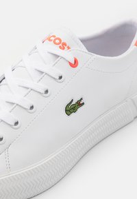 Lacoste - GRIPSHOT UNISEX - Trainers - white/pink - 5