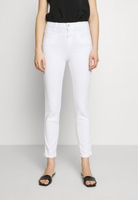 CLOSED - SKINNY PUSHER - Jeans Skinny Fit - white - 0