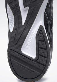 Reebok - QUICK CHASE - Zapatillas de running neutras - black - 7