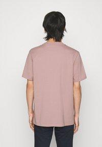 HUGO - DOLIVE - Print T-shirt - light/pastel brown - 2