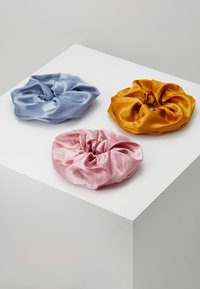 Pieces - PCSCALE SCRUNCHIE 3 PACK - Hair styling accessory - blush/yellow/blue - 0