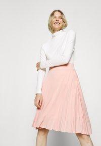 Anna Field - Plisse A-line mini skirt - A-line skjørt - dusty pink - 3