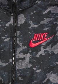 Nike Sportswear - CAMO TRICOT SET - Trainingspak - black - 3