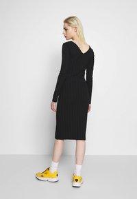 Pieces - PCNING DRESS - Pouzdrové šaty - black - 2