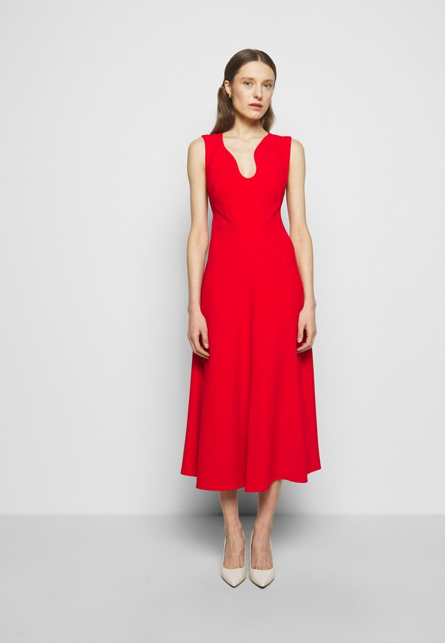 KEYHOLE FIT AND FLARE - Cocktailjurk - bright red