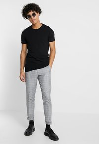 Burton Menswear London - CHAMB  - Trousers - blue - 1