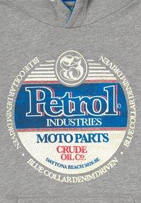 Petrol Industries - B-1000-SWH300 - Mikina skapucí - light grey melee - 3