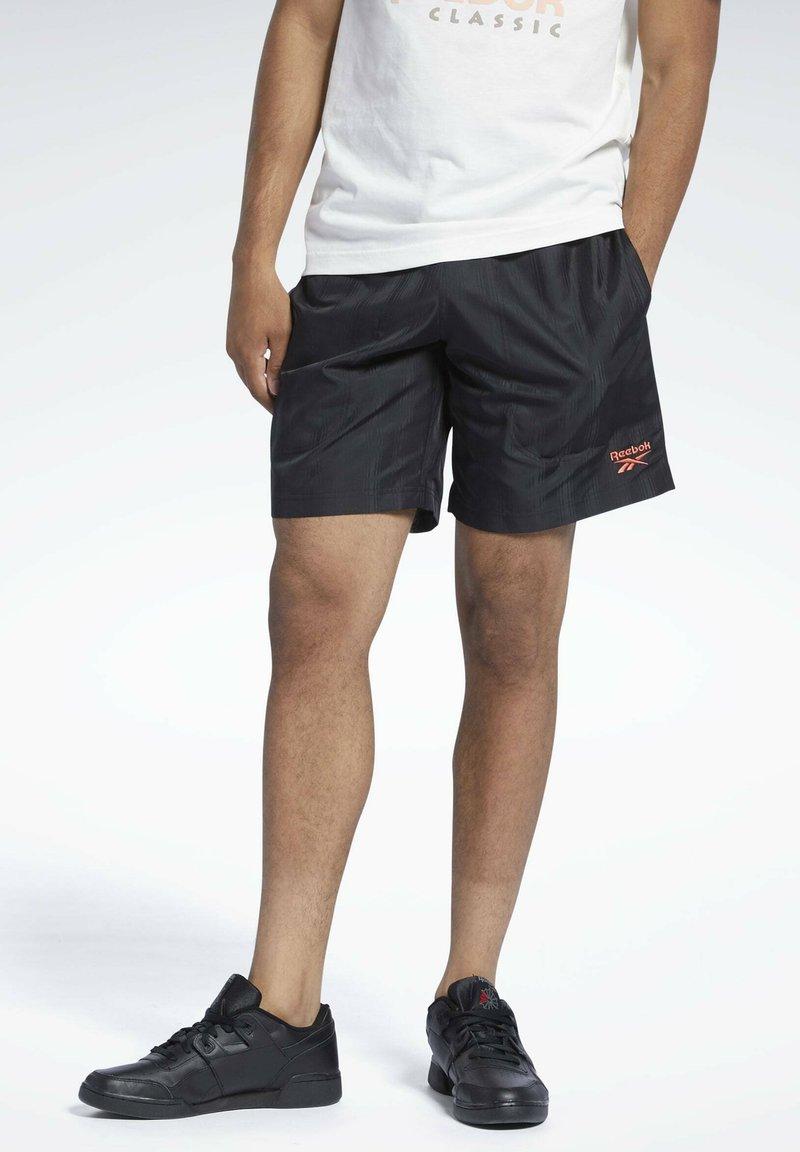 Reebok Classic - CLASSICS - Shorts - black