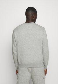 Nike Sportswear - SOS CREW - Sweatshirt - grey heather - 2
