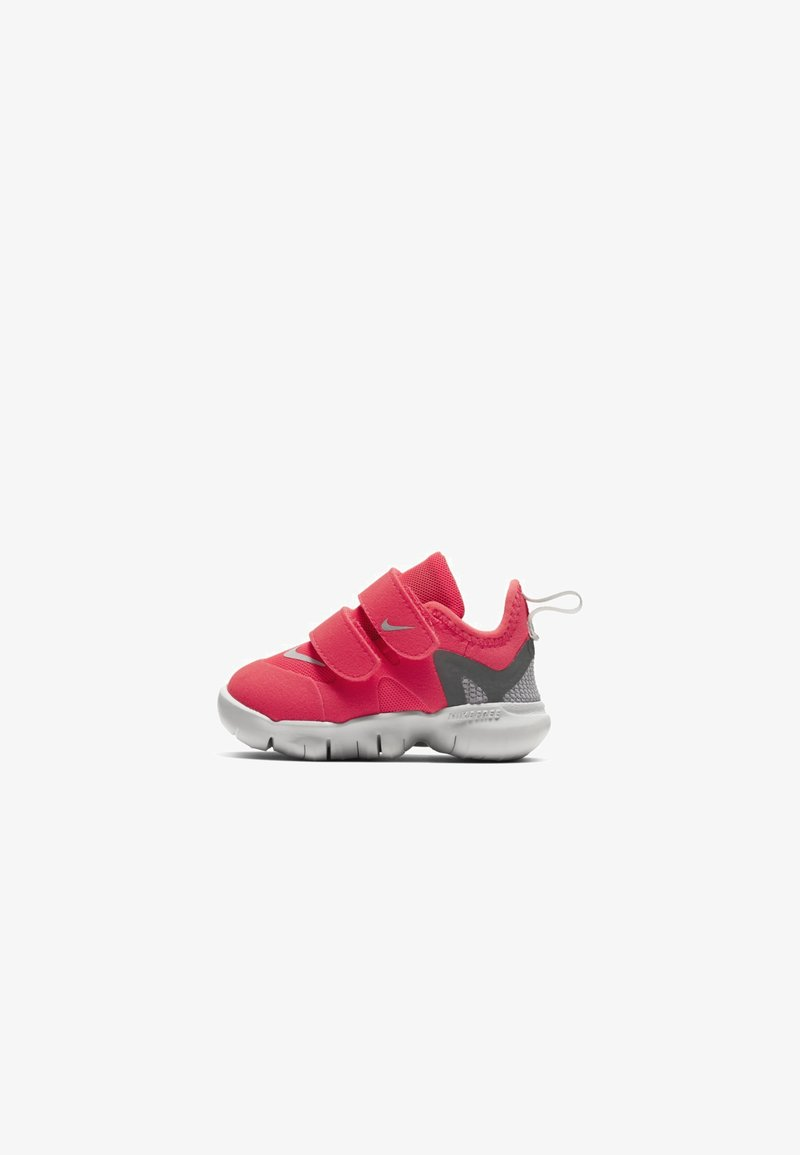 Nike Performance - FREE RN - Neutral running shoes - red/grey/light pink