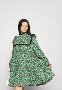 Custommade - LUNA - Vapaa-ajan mekko - classic green - 3