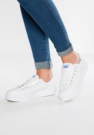 TRIPLE KICK CORE LEATHER - Trainers - white