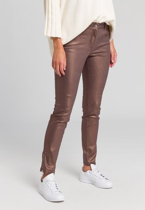 Slim fit jeans - shiny cognac