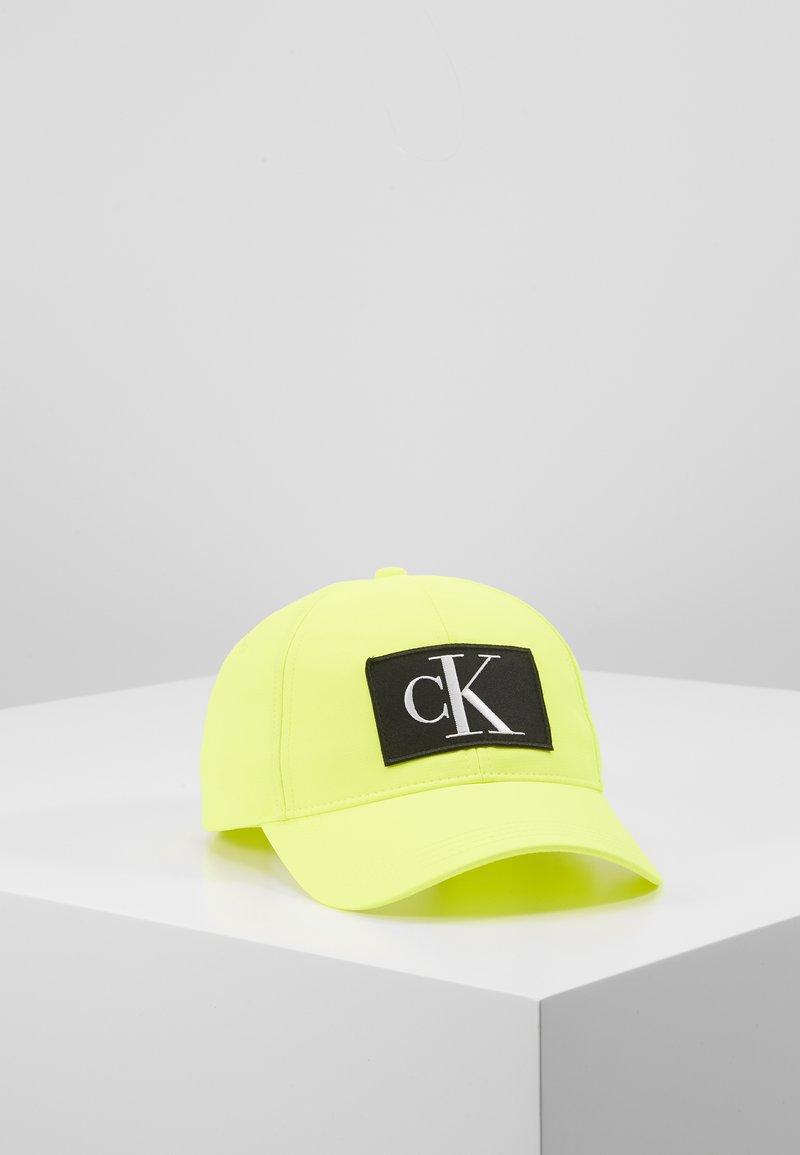 Calvin Klein Jeans - ESSENTIALS - Cappellino - yellow