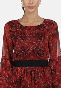 faina - Maxi dress - roter blumen print - 3