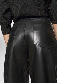 Lovechild - ASTON - Kožené kalhoty - black - 3
