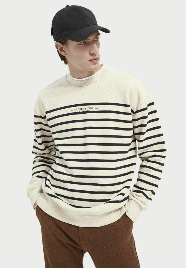 Sweater - combo b