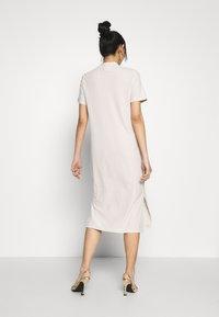Vero Moda - VMKETTI CALF DRESS - Denní šaty - birch - 2