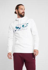 Nike Performance - Huppari - white - 0