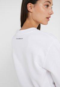 Emporio Armani - Sweatshirts - bianco ottico - 3