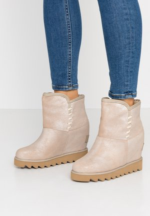 Kotníková obuv - san