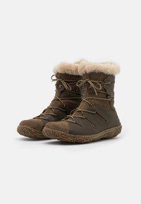 El Naturalista - NIDO - Winter boots - olive - 2