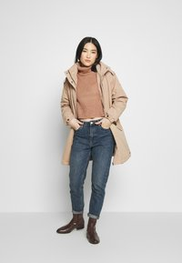 Missguided - ROLL NECK CROP JUMPER - Jumper - dusty camel - 1