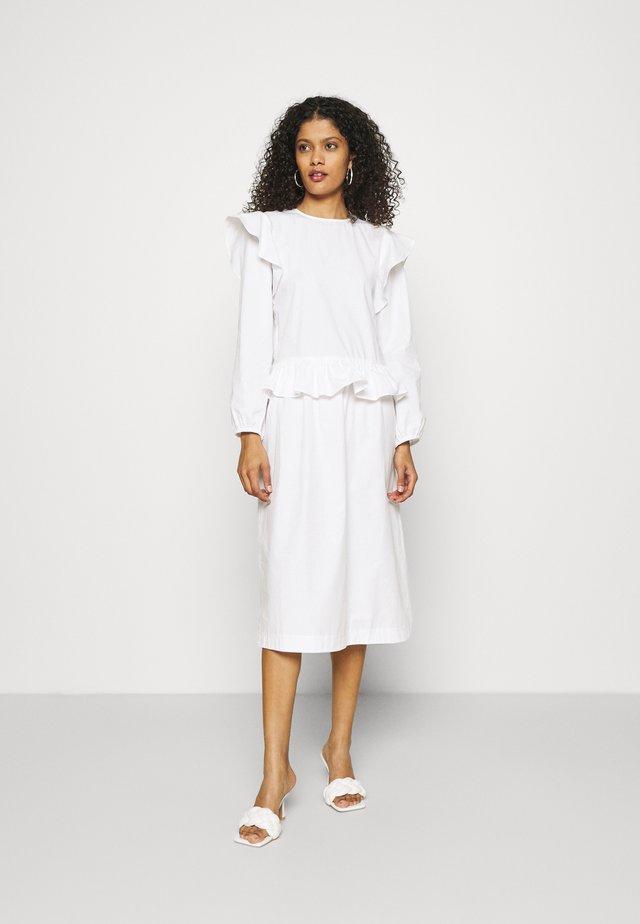 DELANEY - Korte jurk - white