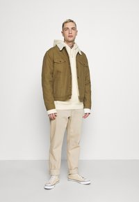Levi's® - TYPE 3 SHERPA TRUCKER - Light jacket - cougar - 1