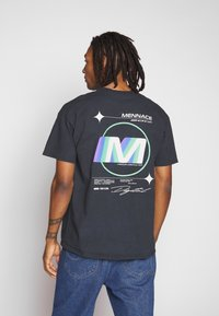 Mennace - FADE - T-shirt con stampa - black - 2
