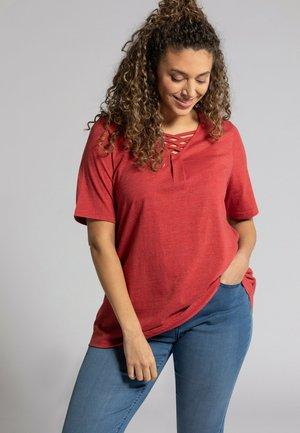 Basic T-shirt - salsa