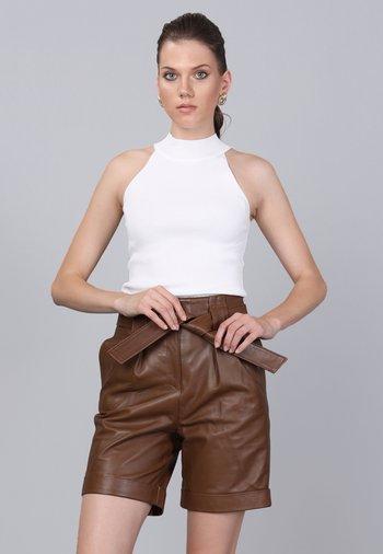 Shorts - peanut