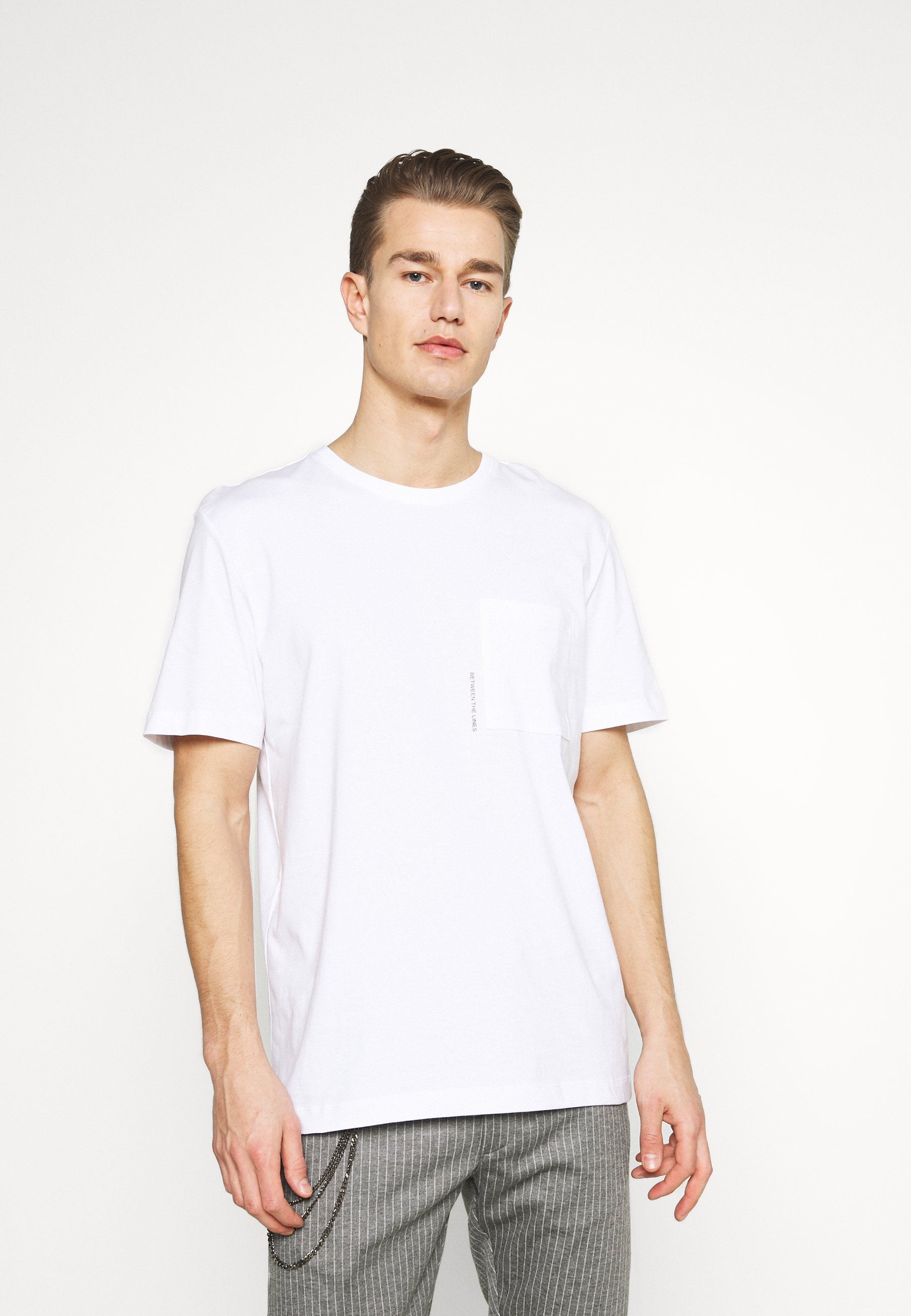 Men SLHRELAXFREDDIE POCKET ONECK - Print T-shirt
