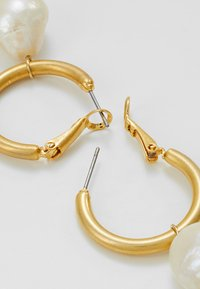 Orelia - DROP ON CHUNKY HOOP - Náušnice - gold-coloured - 2